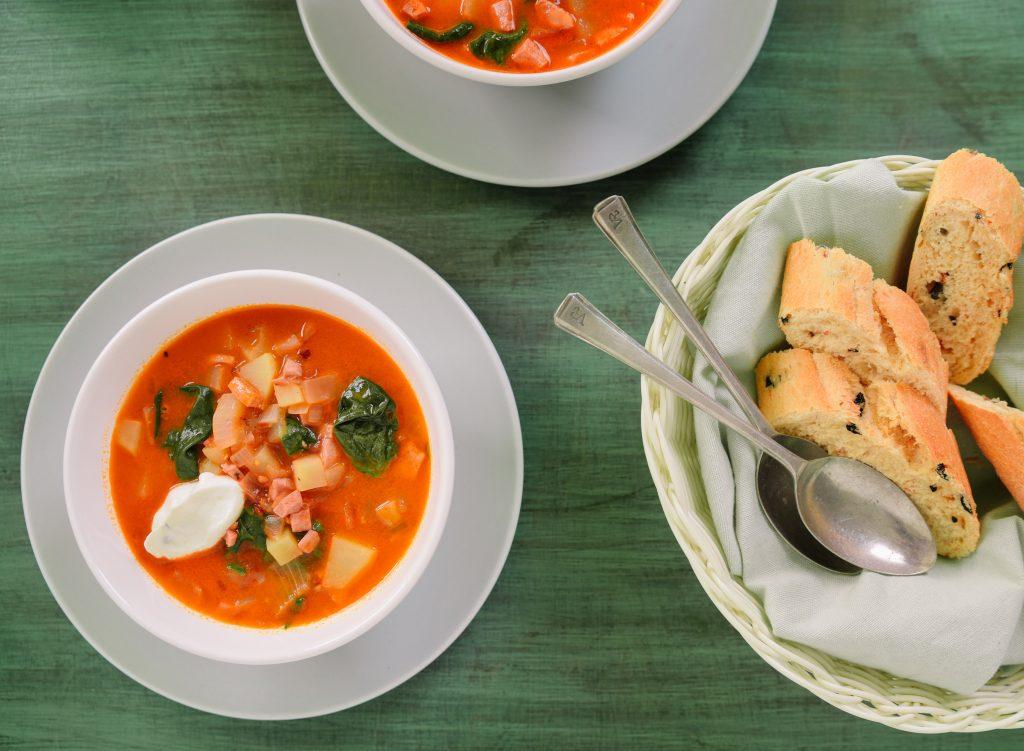 Картофена супа с телешки салам и спанак