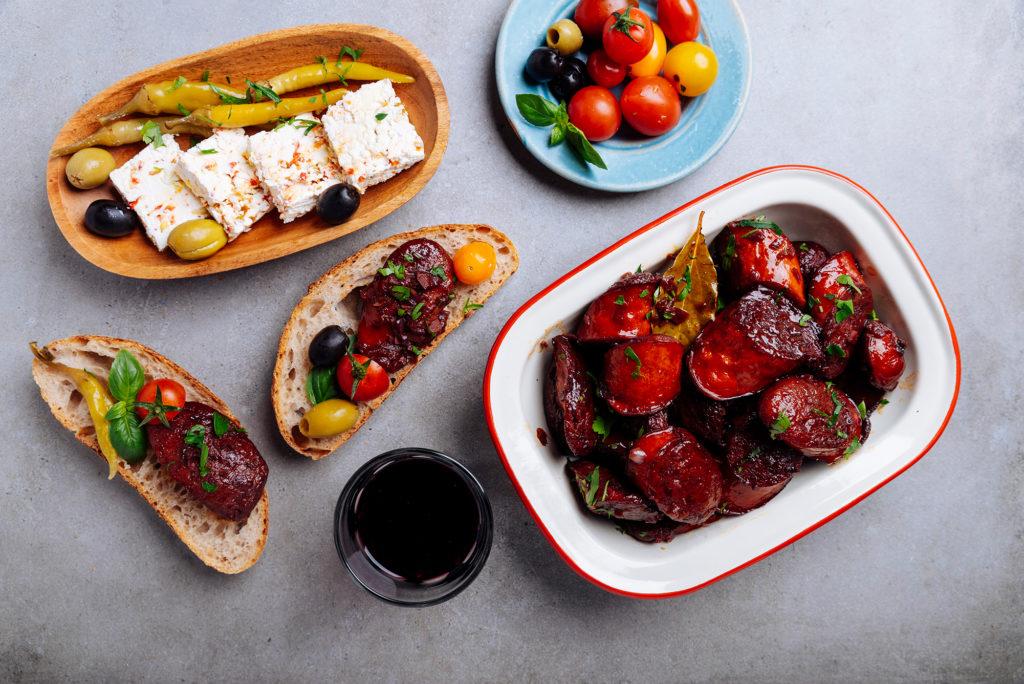 Македонска наденица Аз ям! в червено вино и подправки